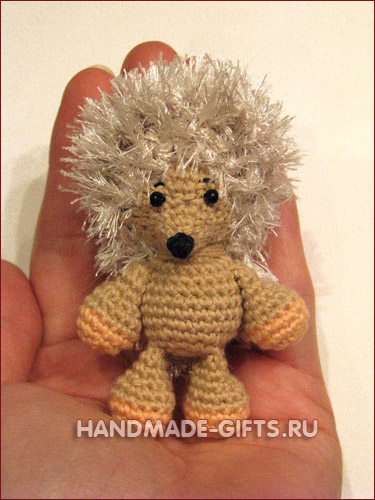 Ежик Феня ручной работы вязанный крючком миниатюра амигуруми купить