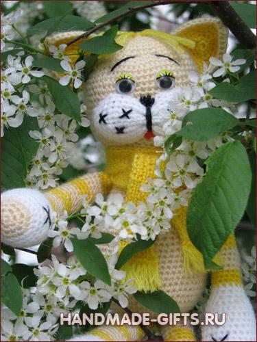 Вязаный кот Мурзик Желтый на HandMade-Gifts.ru - купить - сделано с любовью!