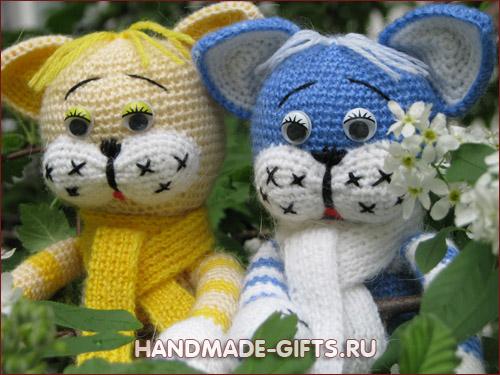Купить вязаного кота в хэндмэд магазине