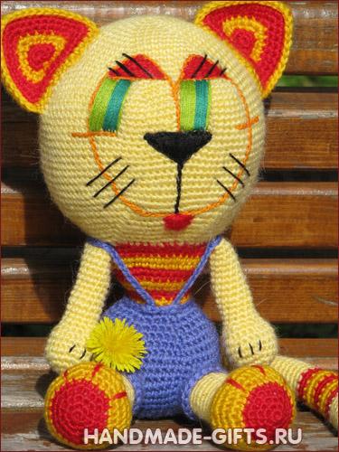 Купить авторского вязаного кота
