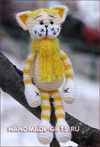 Вязаный кот котенок Малыш Мурзик Желтый купить Подарки ручной работы handmade-gifts.ru