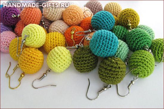 Вязаные шарики сережки