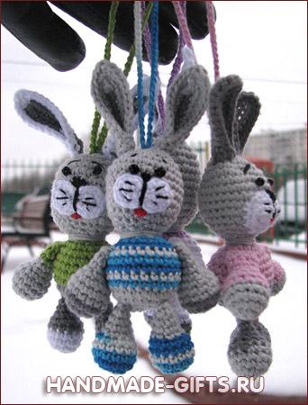 Вязанный крючком маленький Серенький Зайчик купить на Handmade-Gifts.ru