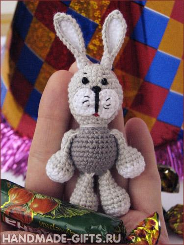 серенький зайчик миниатюра крючком