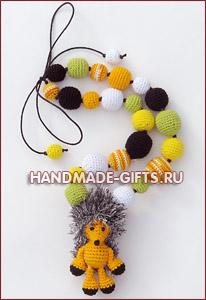 слингобусы, слингобусы купить, мамамбусы, вязаные бусы с игрушкой, вязаный ежик